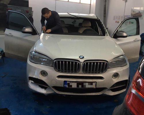 Schimbare parbriz BMW X5 M50d F15