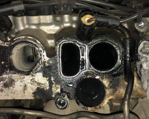 Curatare galerie de admisie si chiulasa prin metoda sablarii cu coaja de nuca BMW X6 30d E71